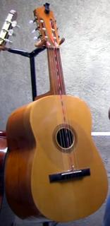 Guitarra panzona