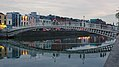 Ha'penny Bridge & River Liffey, Dublin (507186) (32512892980).jpg