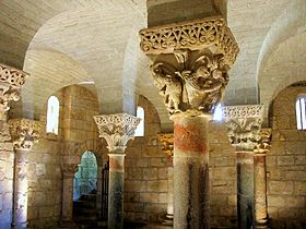 http://upload.wikimedia.org/wikipedia/commons/thumb/0/09/Hagetmau_Cripta_de_San_Girons.jpg/280px-Hagetmau_Cripta_de_San_Girons.jpg