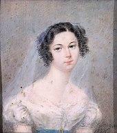 Portrait peint en couleurs d'une femme, teint pâle, cheveux noir avec des anglaises sur les côtés, portant un voile léger de couleur claire; signature en noir en bas à droite: Sowgen 1825
