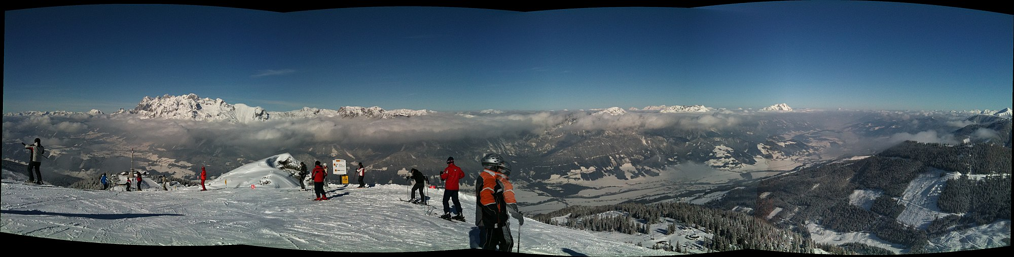 Panorama Schladming z tras narciarskich