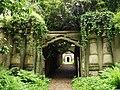 Highgate Cemetery - geograph.org.uk - 828557.jpg