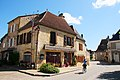Historic houses at Daglan, a very pittoresque village in the Dordogne district - panoramio.jpg