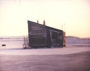 Ulukhaktok/Holman Airport - Image: Holman Terminal 1980's