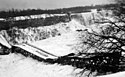 Upadek mostu dla nowożeńców Niagara Falls Jan 1938.jpg
