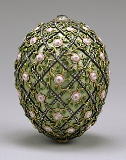 House of Fabergé - Rose Trellis Egg - Walters 44501 (cropped).jpg