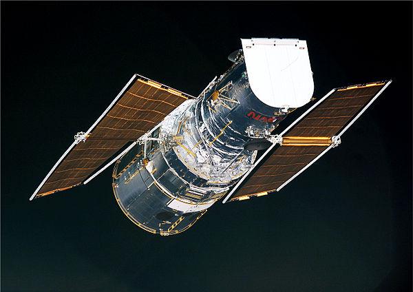 nasa building the hubble space telescope - HD2527×1787
