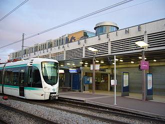 Issy–Val de Seine station - Image: Ile de France Tramway T2 Issy Val de Seine (4)