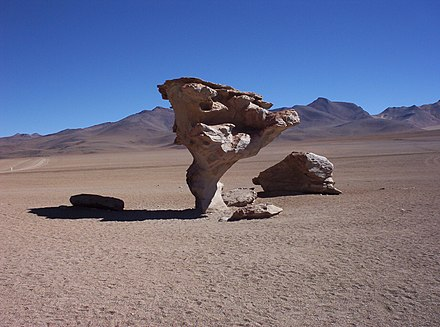 Arbol de Piedra, a rock formation in the Altiplano, Bolivia sculpted by wind erosion Im Salar de Uyuni.jpg