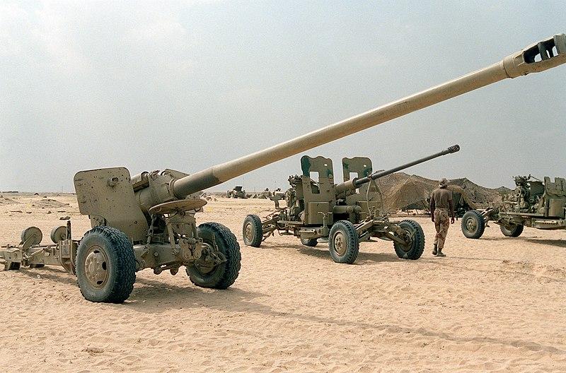 المدافع الثابتة في الجيش الجزائري  800px-Iraqi_Type_59_130_mm_field_gun
