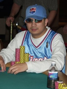 Tran tijdens de World Series of Poker