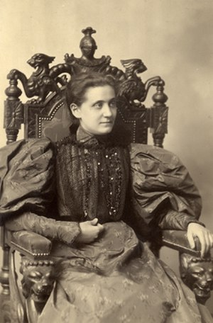Jane Addams - Jane Addams as a young woman, undated studio portrait by Cox, Chicago