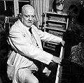 Jean-Sibelius-at-the-piano.jpg