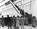 Jewish refugees from Austria in Shanghai, disembarking from the Conte Verde.jpg