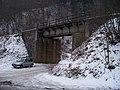 Křivoklát, železniční most mezi zastávkou a tunelem.jpg