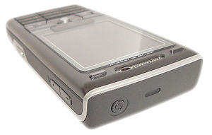 Sony Ericsson K800i - Top, front and right side