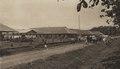 KITLV - 88337 - Kleingrothe, C.J. - Medan - Houses of Javanese workers on the plantation grounds of Kwala Mencirim of the Deli plantation in Deli - 1905.tif