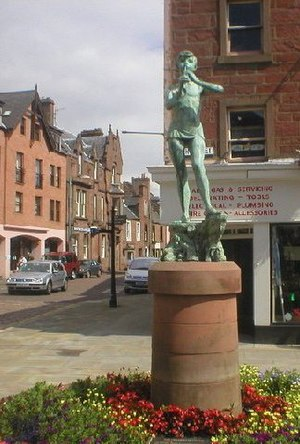 Kirriemuir - Image: Kirriemuir, Peter Pan Statue