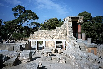 Minoan chronology - Another view of the palace