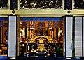 Kyoto Nishi Hongan-ji Amidahalle Innen Altar 1.jpg