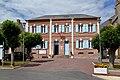 La mairie de Courtonne-les-Deux-Églises.jpg