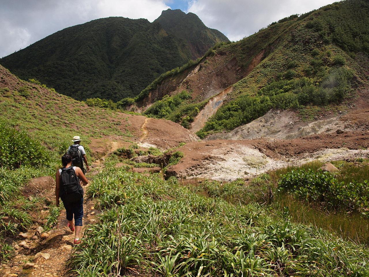 La randonnée en Dominique.jpg