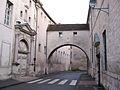 La rue du Collège et l'Arc.6407.JPG