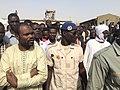 Les agents protègent le passage du ministre à la maison d'arrêt à N'Djamena, Tchad, le 17 février 2017.jpg