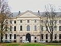 Lille .-Façade de l'ancien hospice général PA00107588.JPG