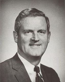 Linwood Holton American politician