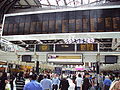 Liverpool Street railway station concourse and departures board - DSC06907.JPG