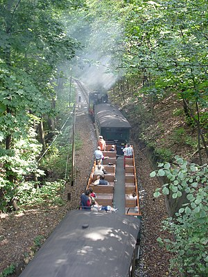 Radebeul–Radeburg railway - In the Lößnitz valley