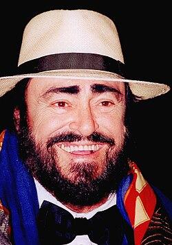 Luciano Pavarotti 2004.jpg
