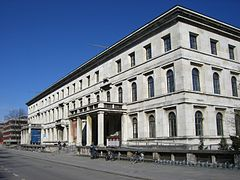 munchen architekturmuseum hauptstadt der bewegung wikip dia