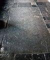 Maastricht, OLV-basiliek, grafzerk westelijke kruisgang 07.jpg