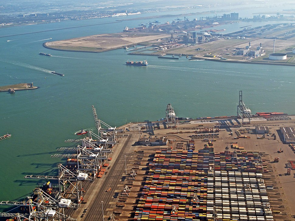 Maasvlakte, containeropslag foto1 2014-03-09 11.12