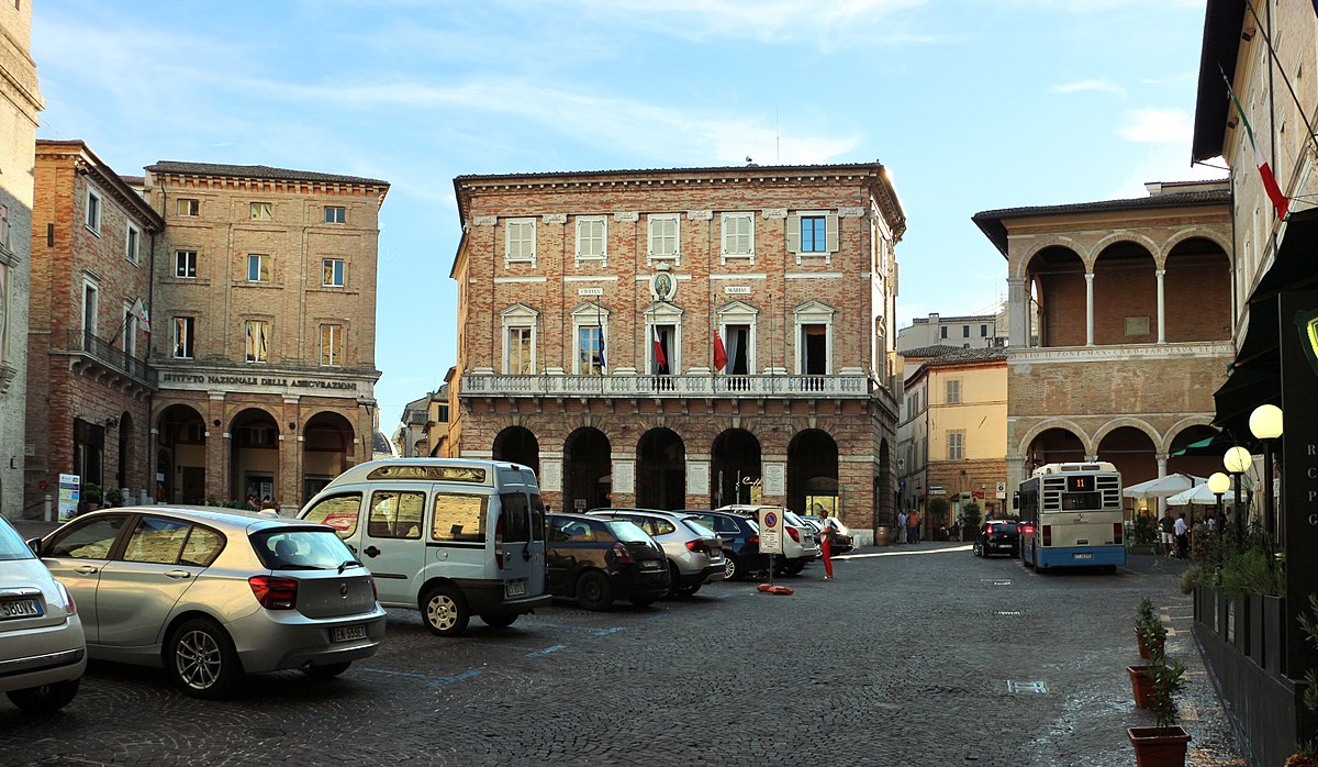 Piazza Della Libert U00e0  Macerata