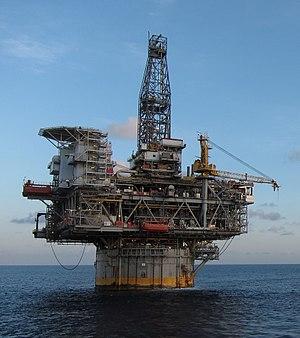 Mad Dog Oil Field - The Mad Dog spar platform