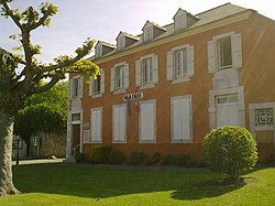 Mairie de Barzun.jpg