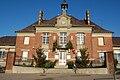 Mairie de Frières-Faillouël.jpg