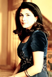 Majida El Roumi in a portrait from 1994.jpg