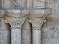 Manzac-sur-Vern église portail chapiteaux.JPG