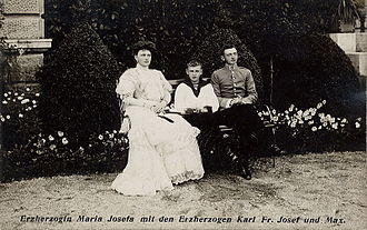 Princess Maria Josepha of Saxony (1867–1944) - Princess Maria Josepha with her two sons, 1910.