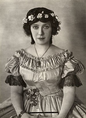 Mary Alden - Alden in Milestones (1920)