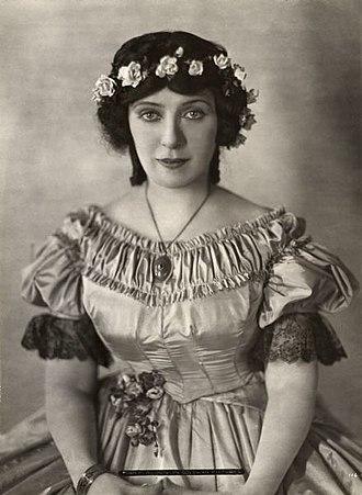 Mary Alden - Alden in Milestones (1920)