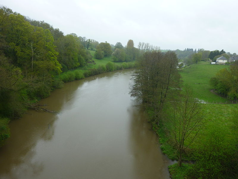 The Mayenne River at Saint-Loup-du-Gast, Mayenne. Picture taken on the viaduc de la Rosserie.