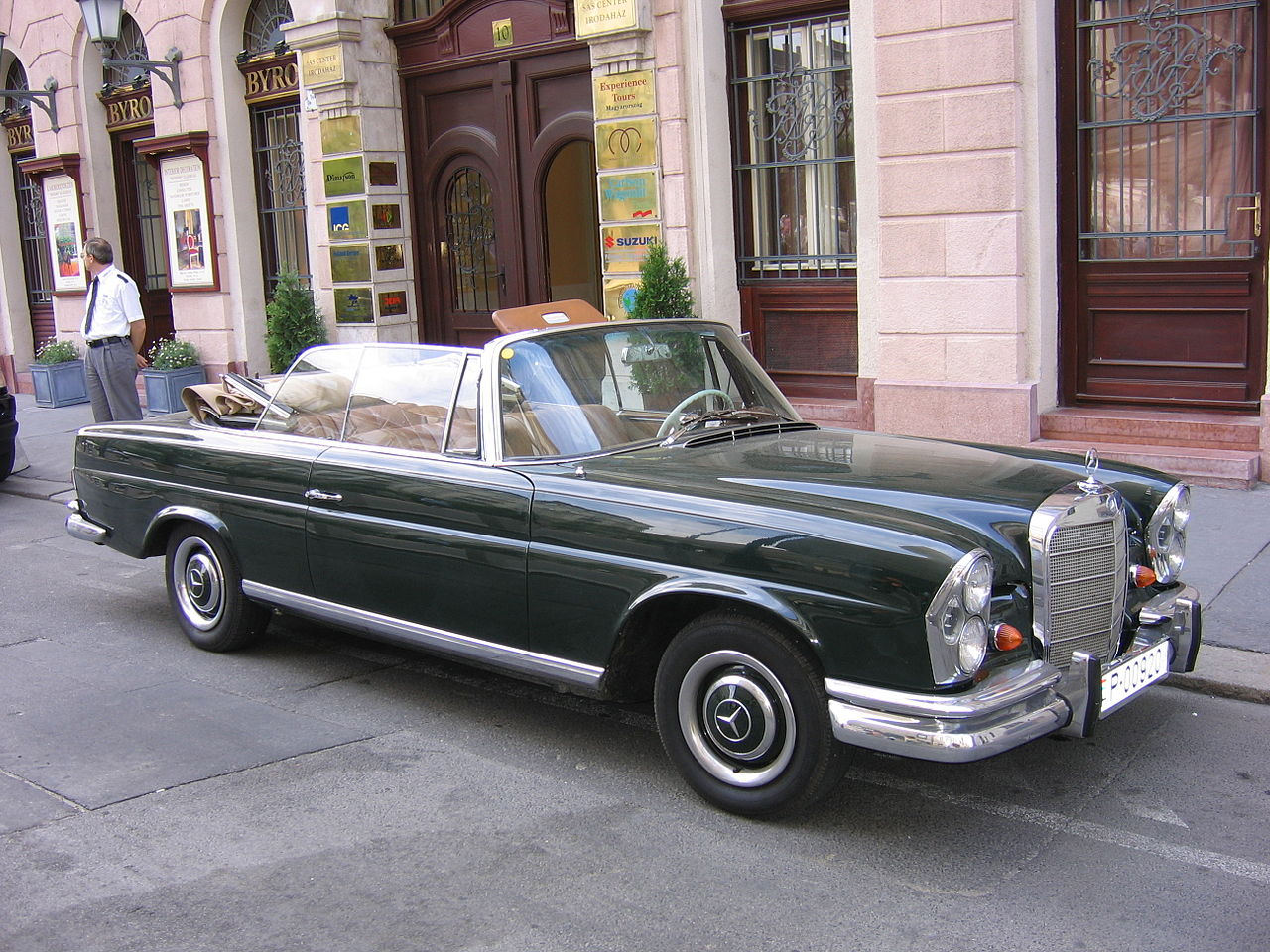 File mercedes cabrio 250 se budapest 2005 for Mercedes benz 250 se