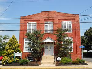 Shoemakersville, Pennsylvania - Image: Merit Underwear 2 Shoemakersville Berks Co PA