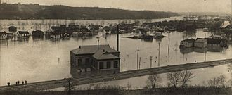 Miamisburg, Ohio - View of Miamisburg under water, 1913.