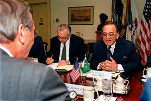Khurshid Mahmud Kasuri - Khurshid Mahmud Kasuri with Donald Rumsfeld, 2003